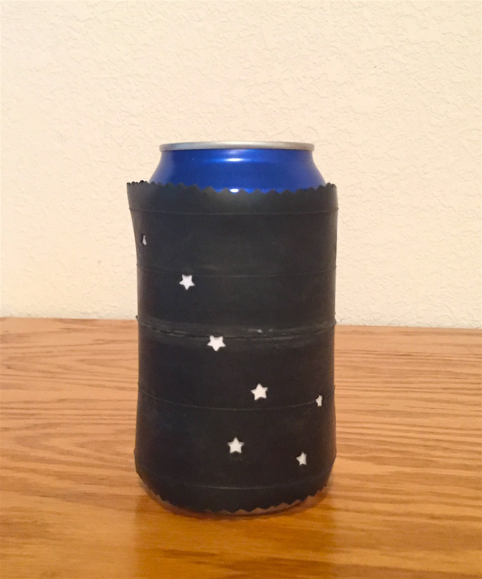 Bicycle inner tube can koozie